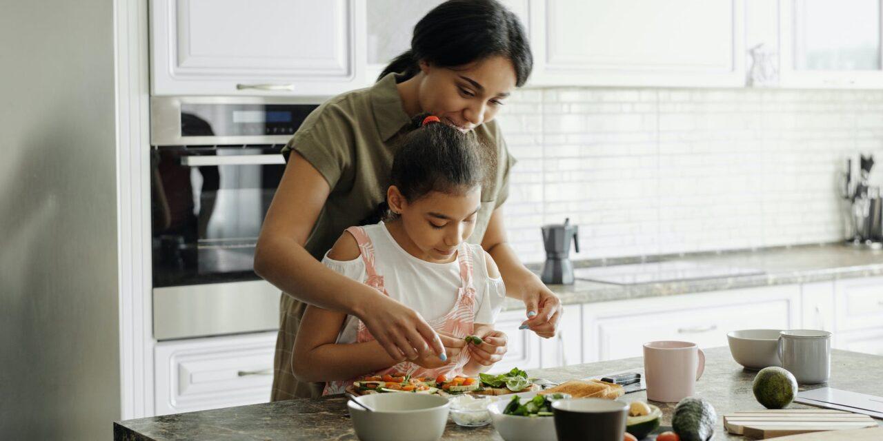 Conseils Bibliques: NUTRITION DES ENFANTS, DES PETITS-ENFANTS ET LA RÉÉDUCATION DES PAPILLES DE TOUS
